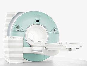 MRI装置の写真